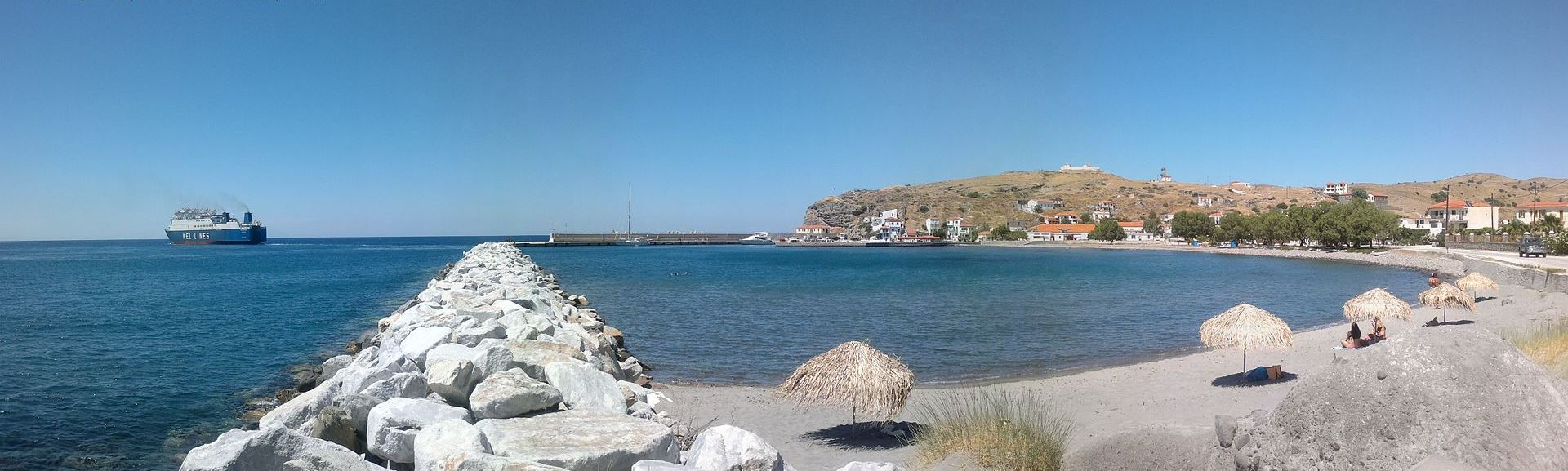Another view of the harbour of Agios Efstratios